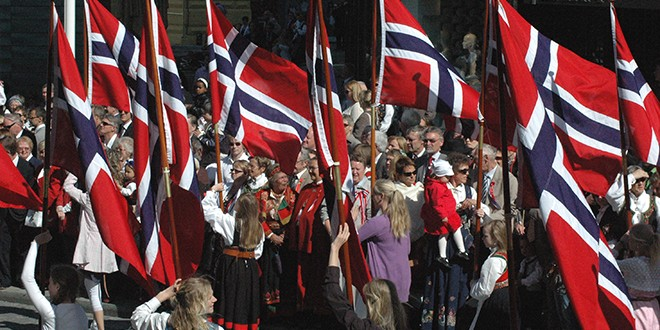 Norvegijoje bus privaloma karo tarnyba moterims